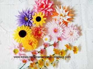 Membuat bunga dari sedotan